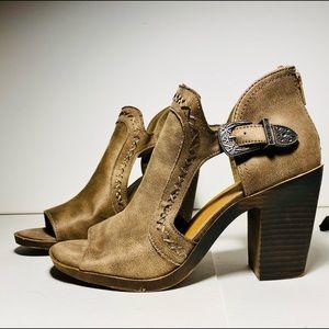 SO buckle heel NEW